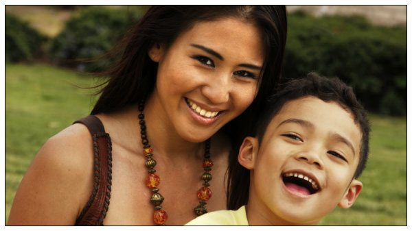 happy mother with child custody in hawaii